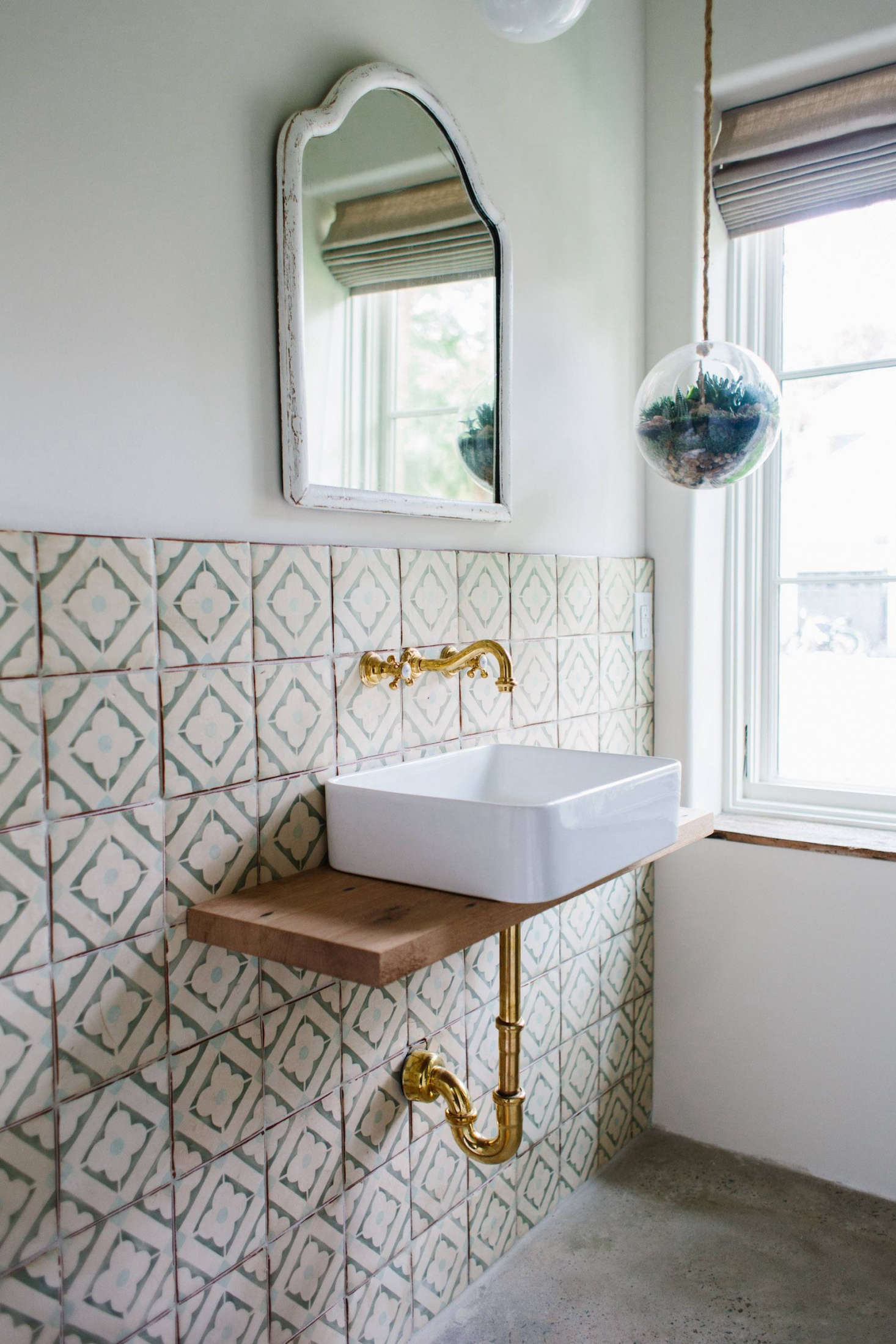 a surf inspired house in charleston sc for barefoot living remodelista. Black Bedroom Furniture Sets. Home Design Ideas