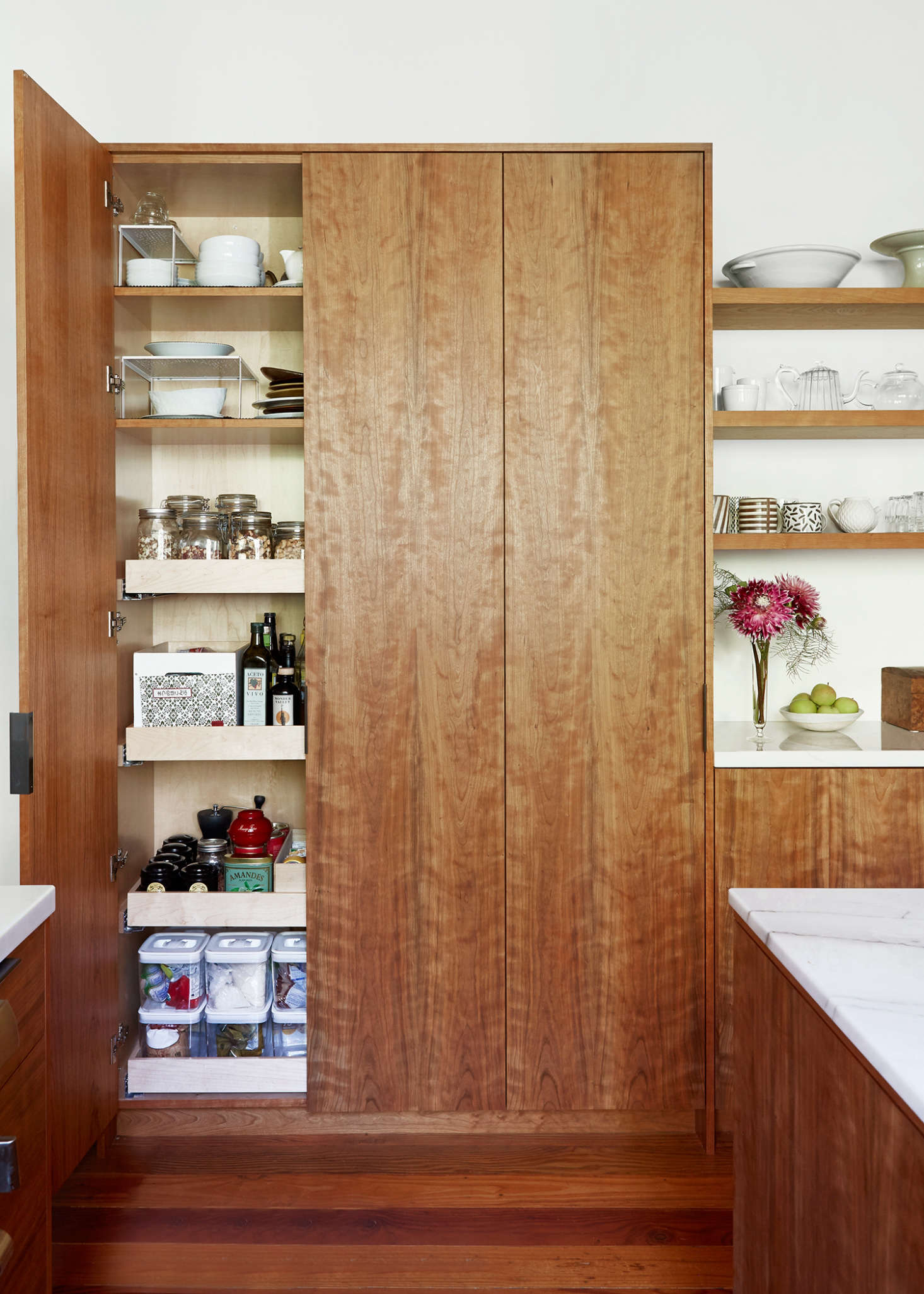 Brand new A Peek Inside the Pantry: 11 Kitchen Storage Favorites - Remodelista SD02