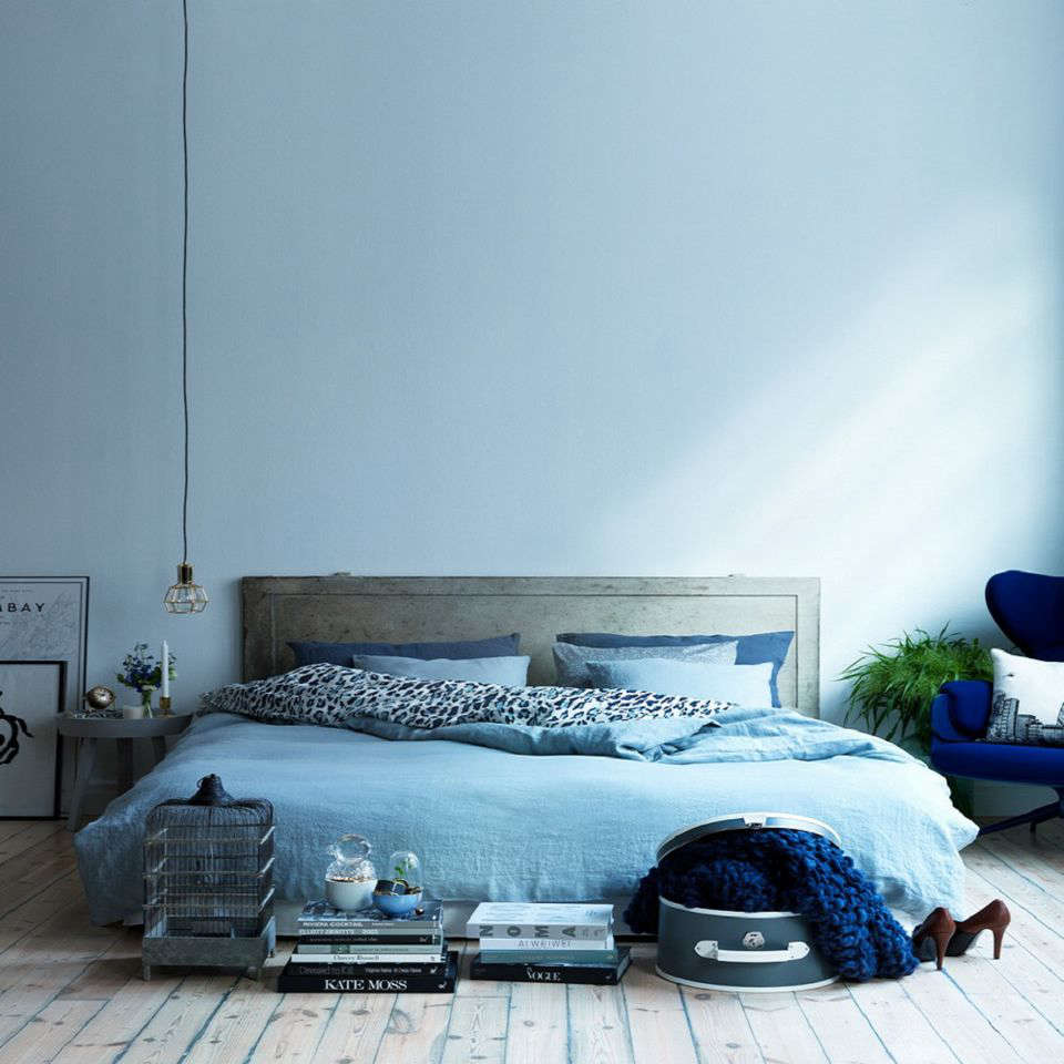 Dreaming in Color: 10 Sexy Monochrome Bedrooms