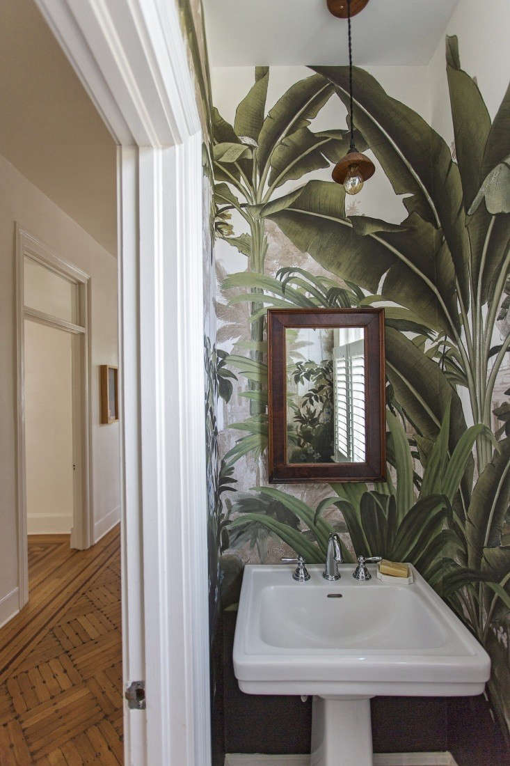 9 Favorites Rooms With A Touch Of The Tropical Wallpaper Edition