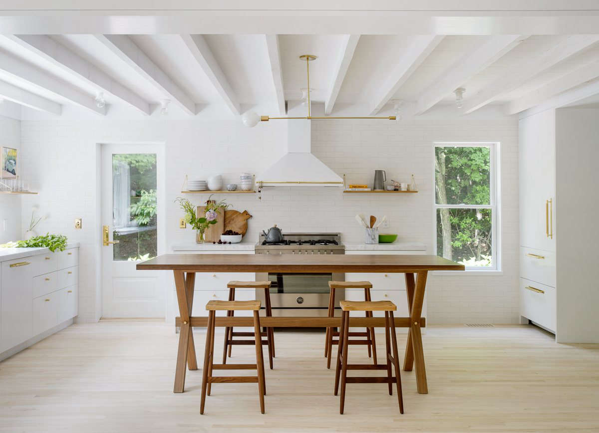 10 Easy Pieces: Architects\' White Paint Picks for Kitchen Cabinets ...