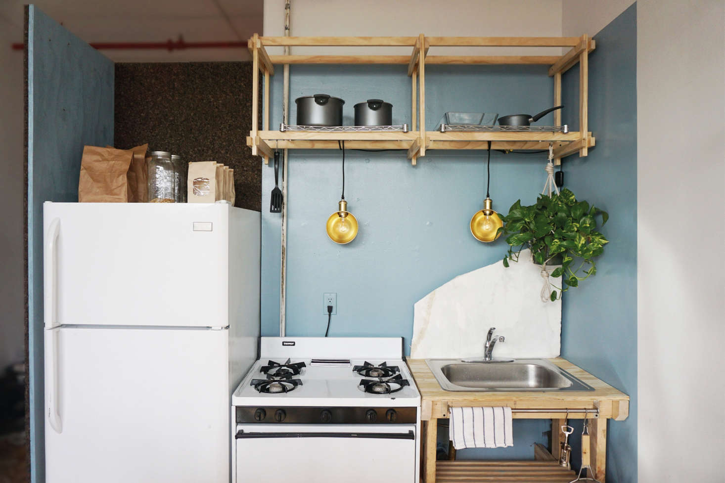 A Two-Week, $1,000, 500-Square-Foot Rental Overhaul by a Design ...