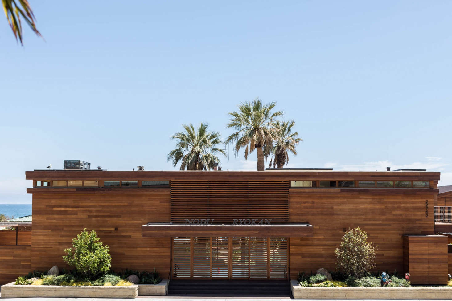 Hollywood-Style Zen in Malibu: Nobu Ryokan Guesthouse on Carbon ...