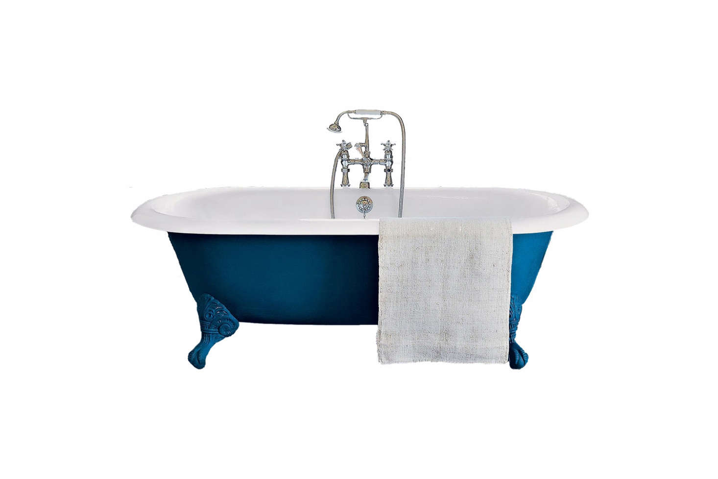 A similar cast iron freestanding tub to the one in the hotel suite is the Drummonds the Spey Cast Iron Bath Tub with Ball & Claw Feet; prices start at £3,925.