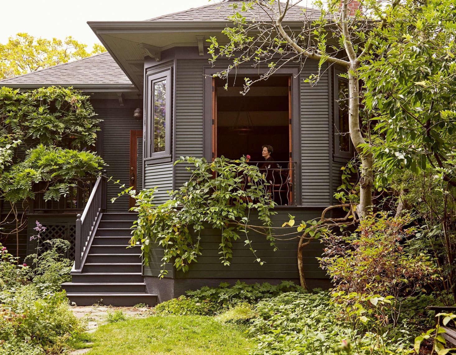 Trending on Gardenista: The Garden Apartment - Remodelista