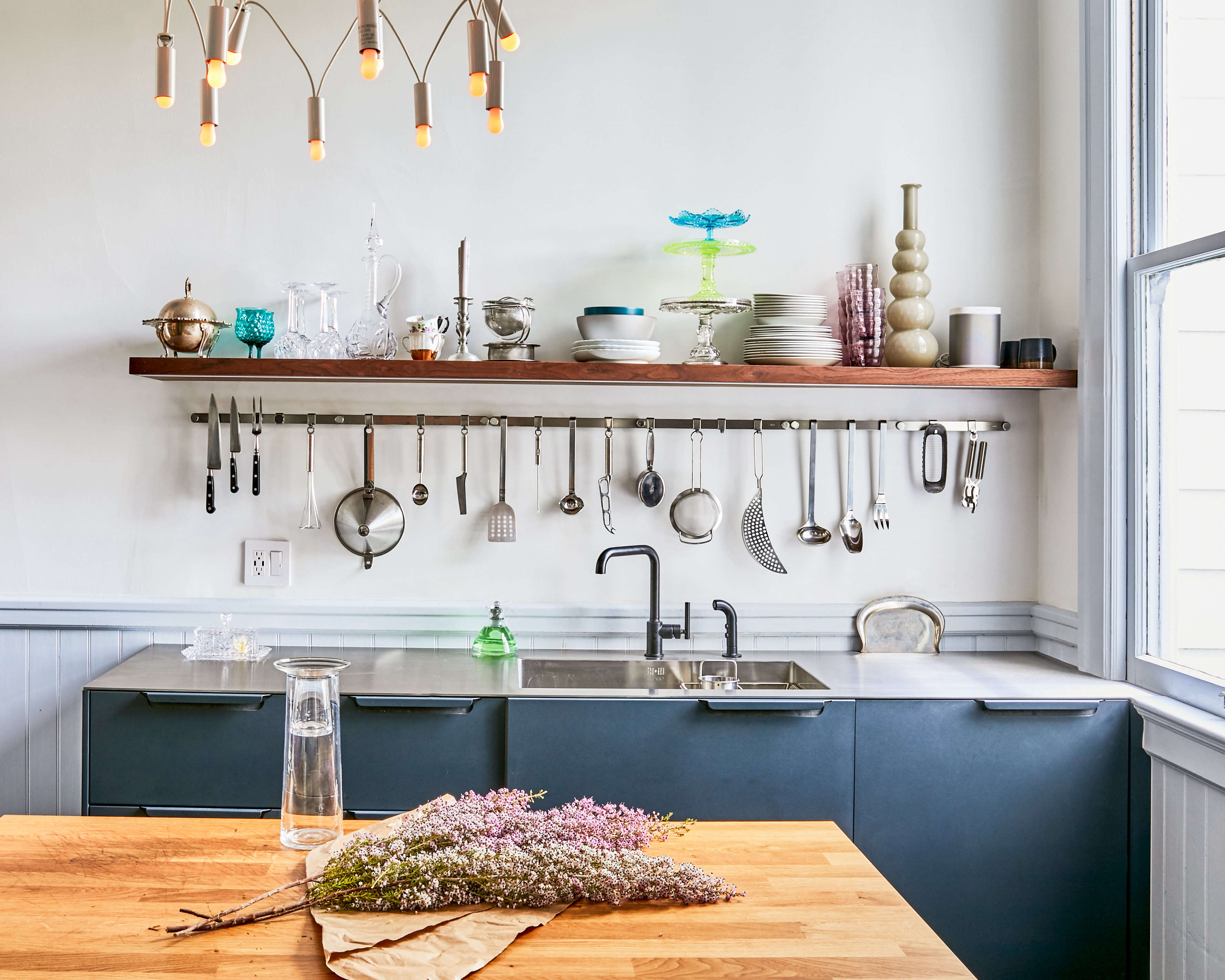 Kitchen Of The Week A Glamorous In San Francisco Ikea Pro Design Terry Rak Tv White Glossy Sonoma Oak Hacks Included Remodelista Sourcebook For Considered Home Bloglovin