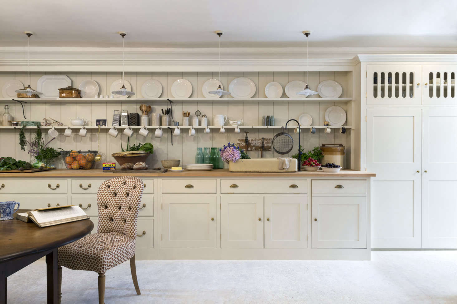 Classic English Kitchen Design By Plain English At Howe London