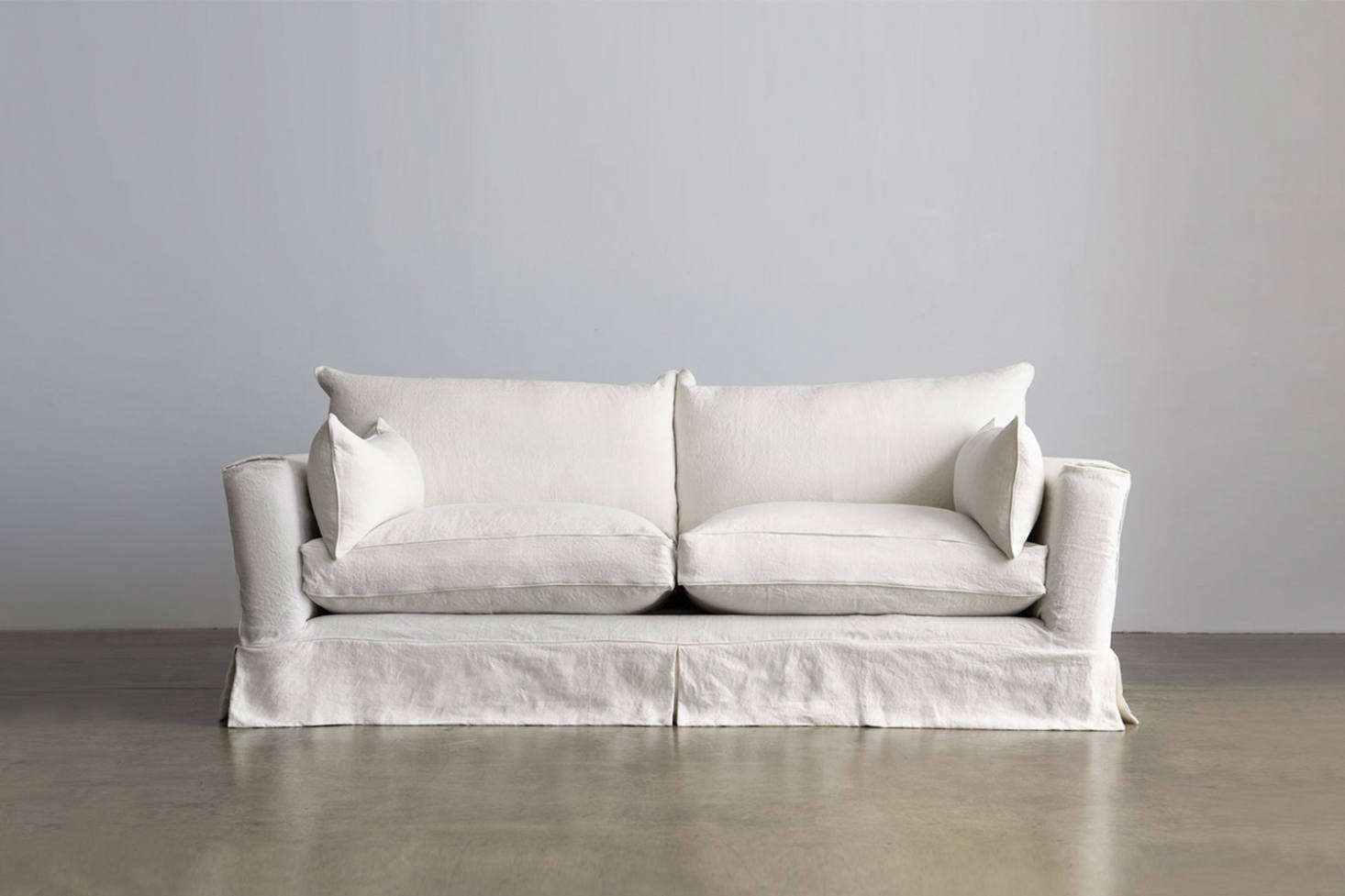 The Montauk Slipcovered Traditional Low Sofa Is Available As A Double Or Queen Sleeper