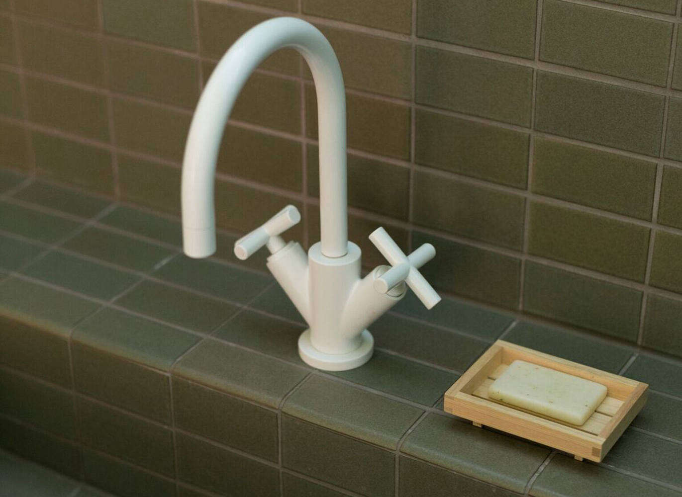 10 Easy Pieces Modern Matte White Faucets Remodelista