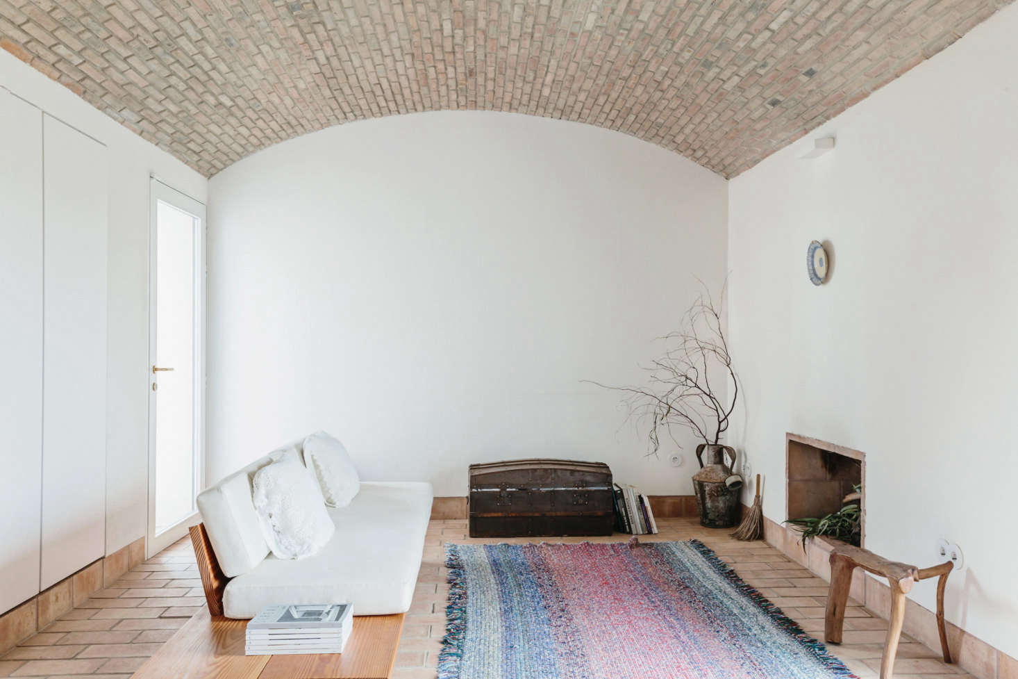 Trending now 13 favorite examples of portuguese style - Images of living room decor ...