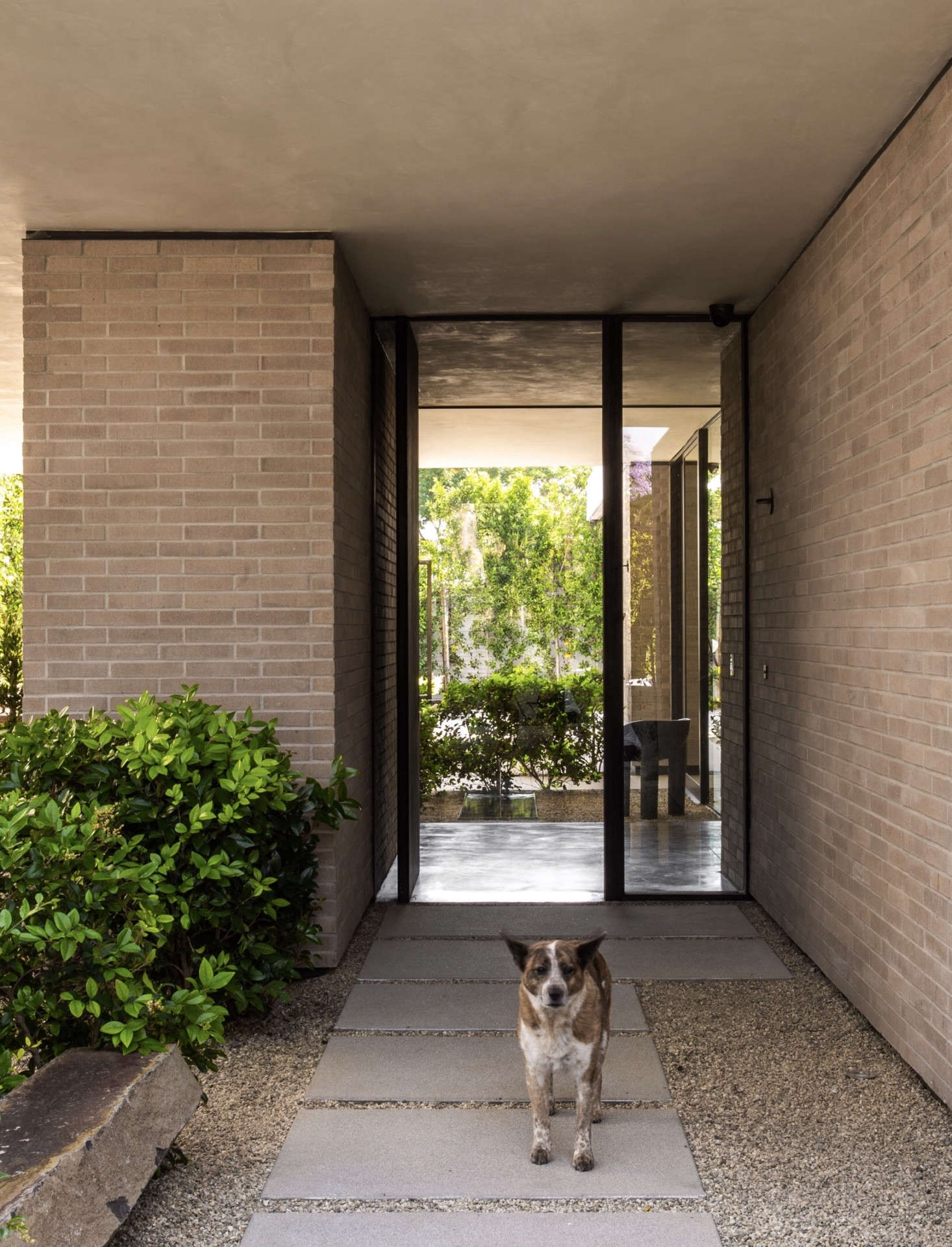 Midcentury Modernized: A Superior Spec House in West Hollywood