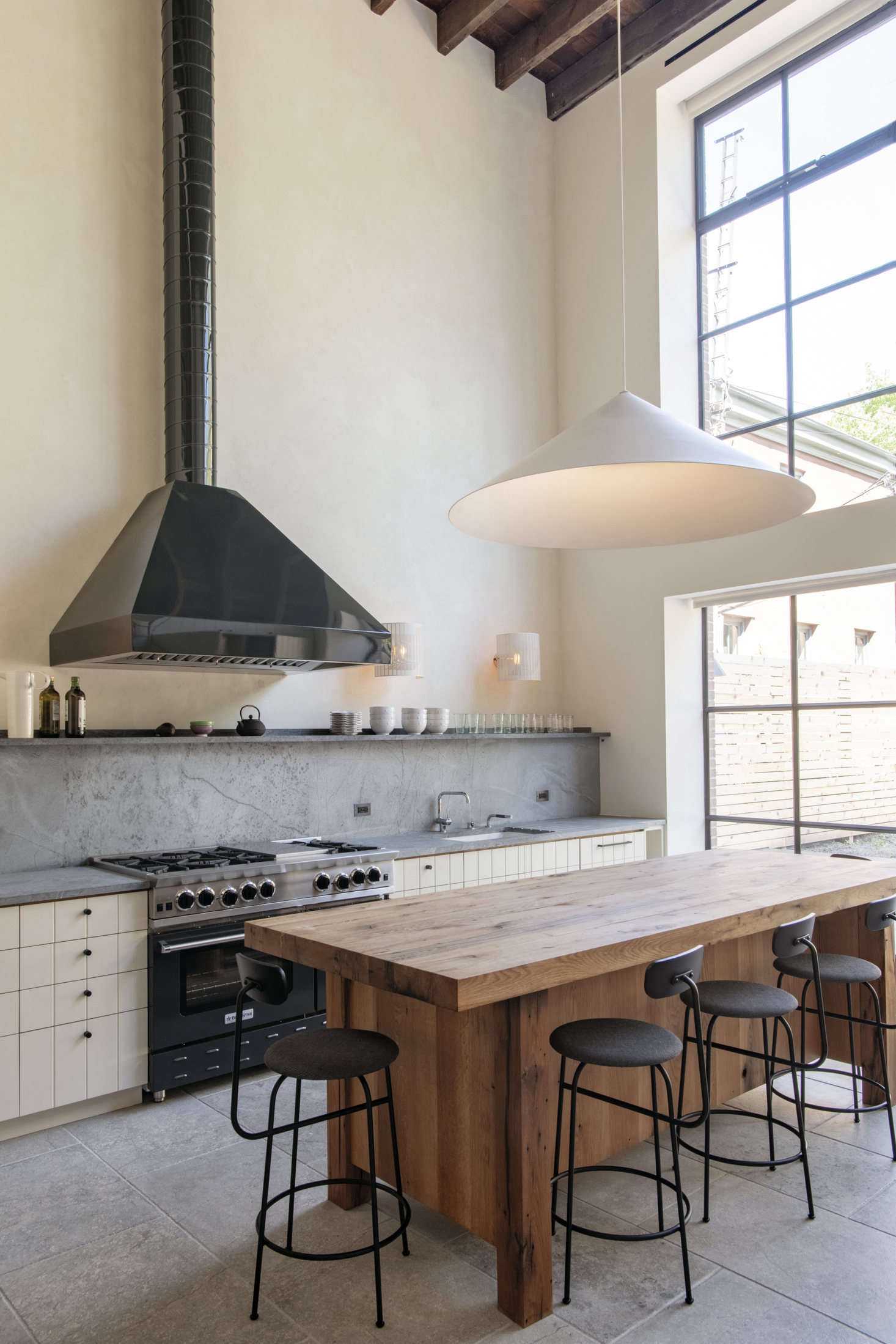 Steal This Look: A Grand Scale Double-Height Kitchen in Brooklyn