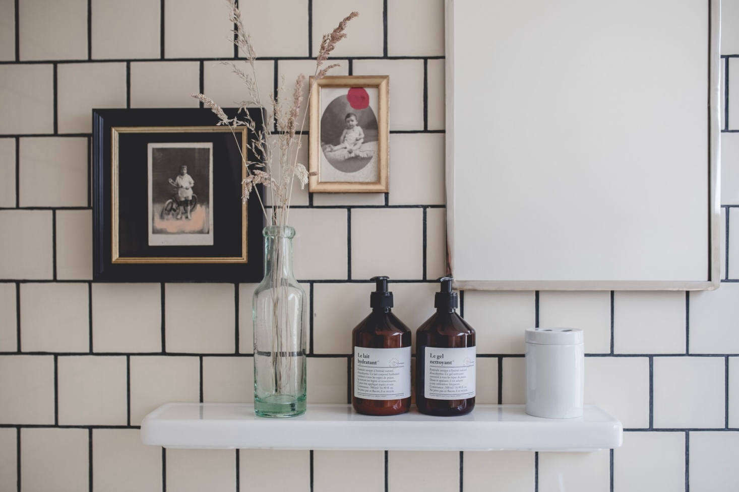 Is it possible to fall in love with a bathroom shelf? Mais oui. Fan spotted this porcelain one in a Remodelista story about Le Barn resort, and tracked down similar versions. See Design Sleuth: A Bathroom Storage Must with Old-Fashioned Charm. Photograph by Nomades, courtesy of Le Barn.