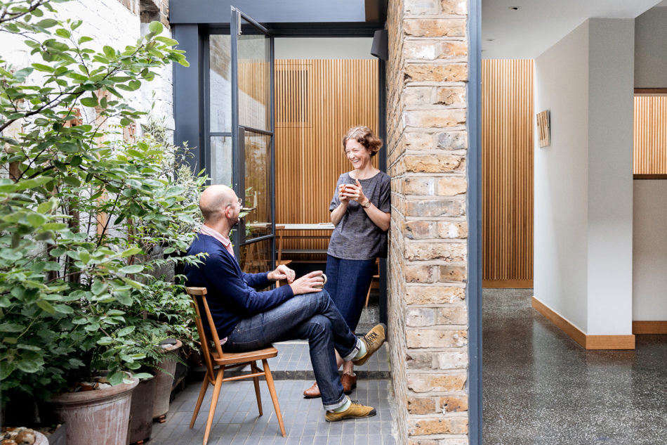 East London Hideout: Inventive Small-Space Quarters for Two Designers