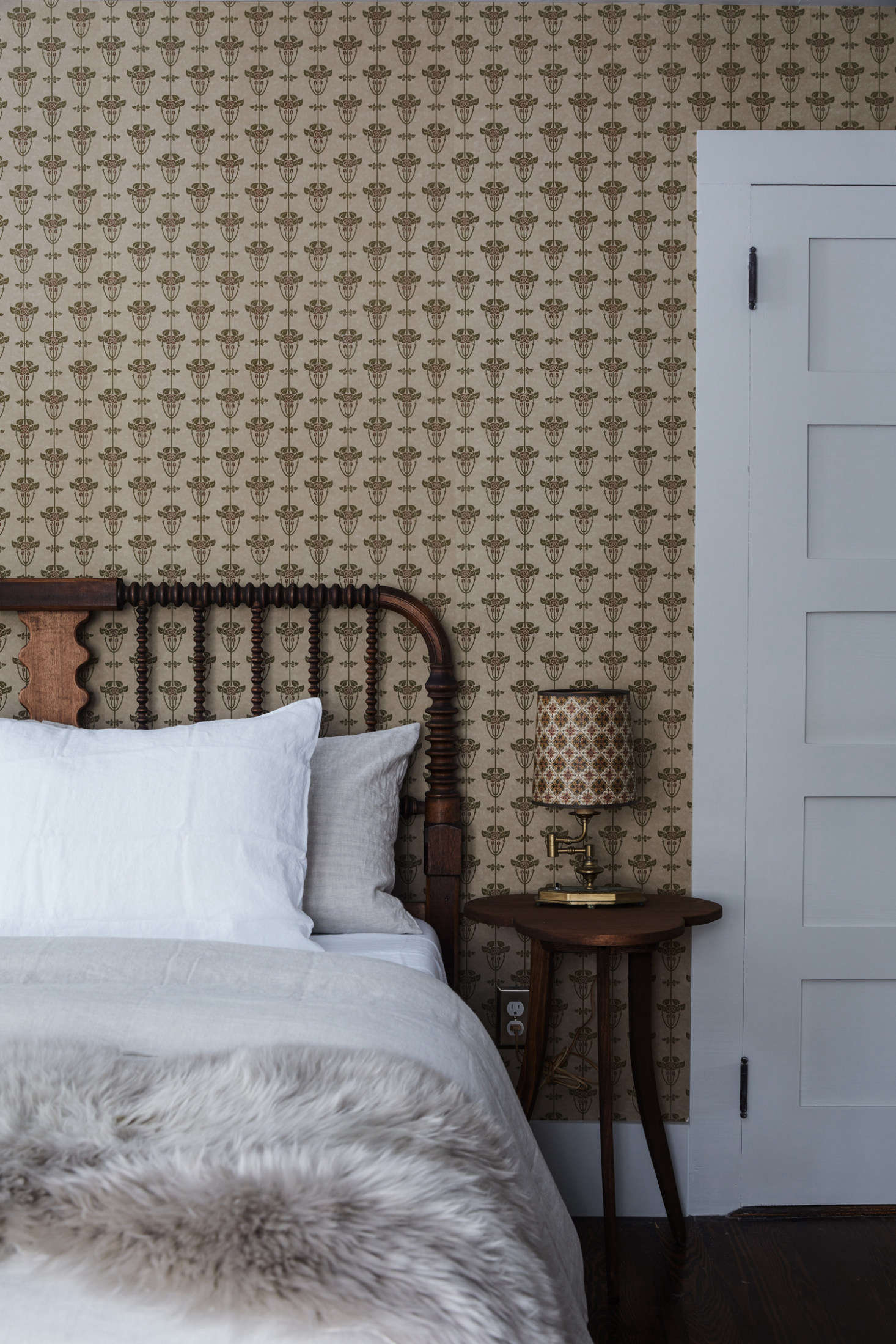 The Jack bedroom features Bradbury and Bradbury Alise wallpaper.