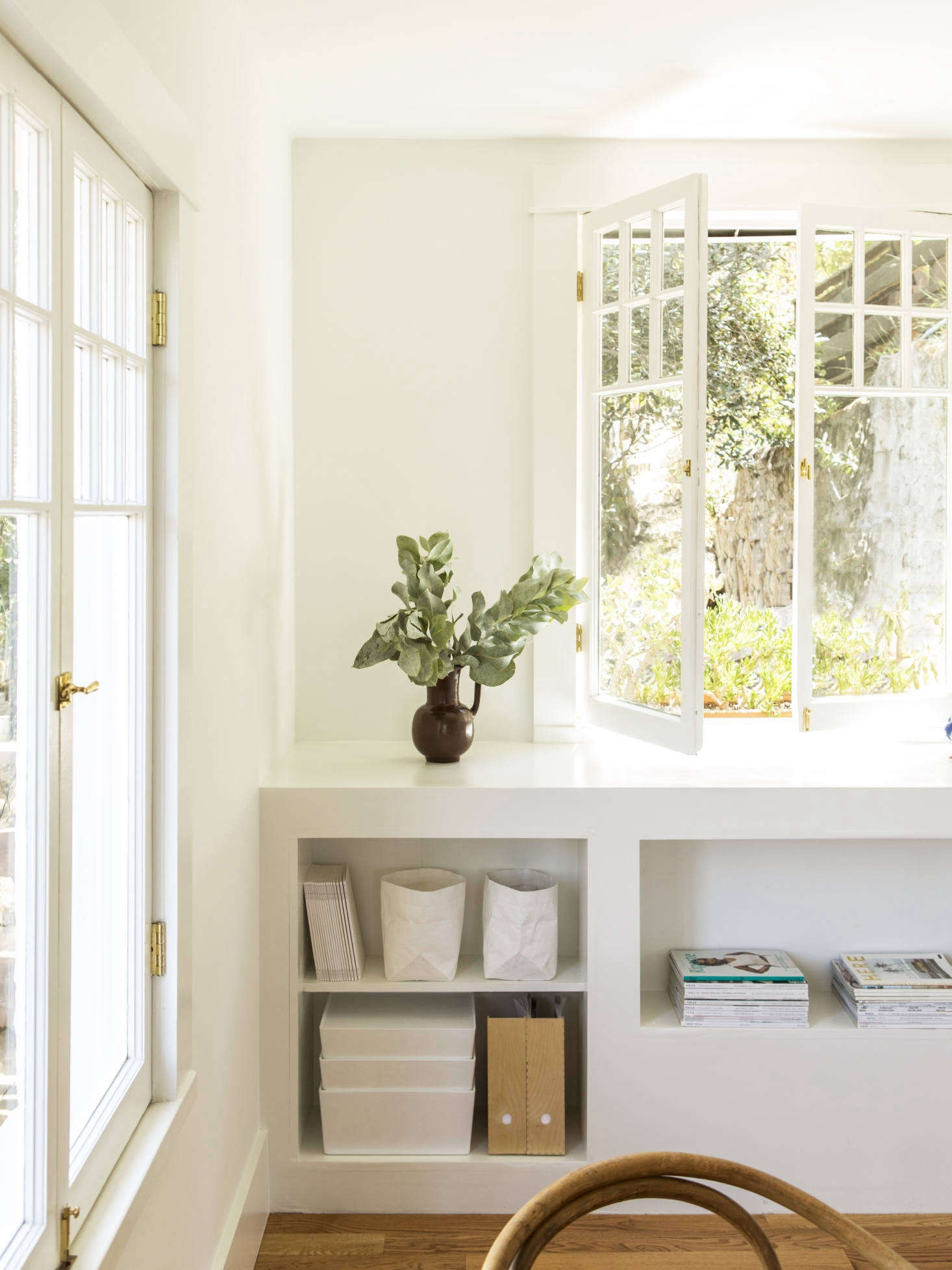 One of the main reasons that Kathleen opted for all-white walls is that&#8