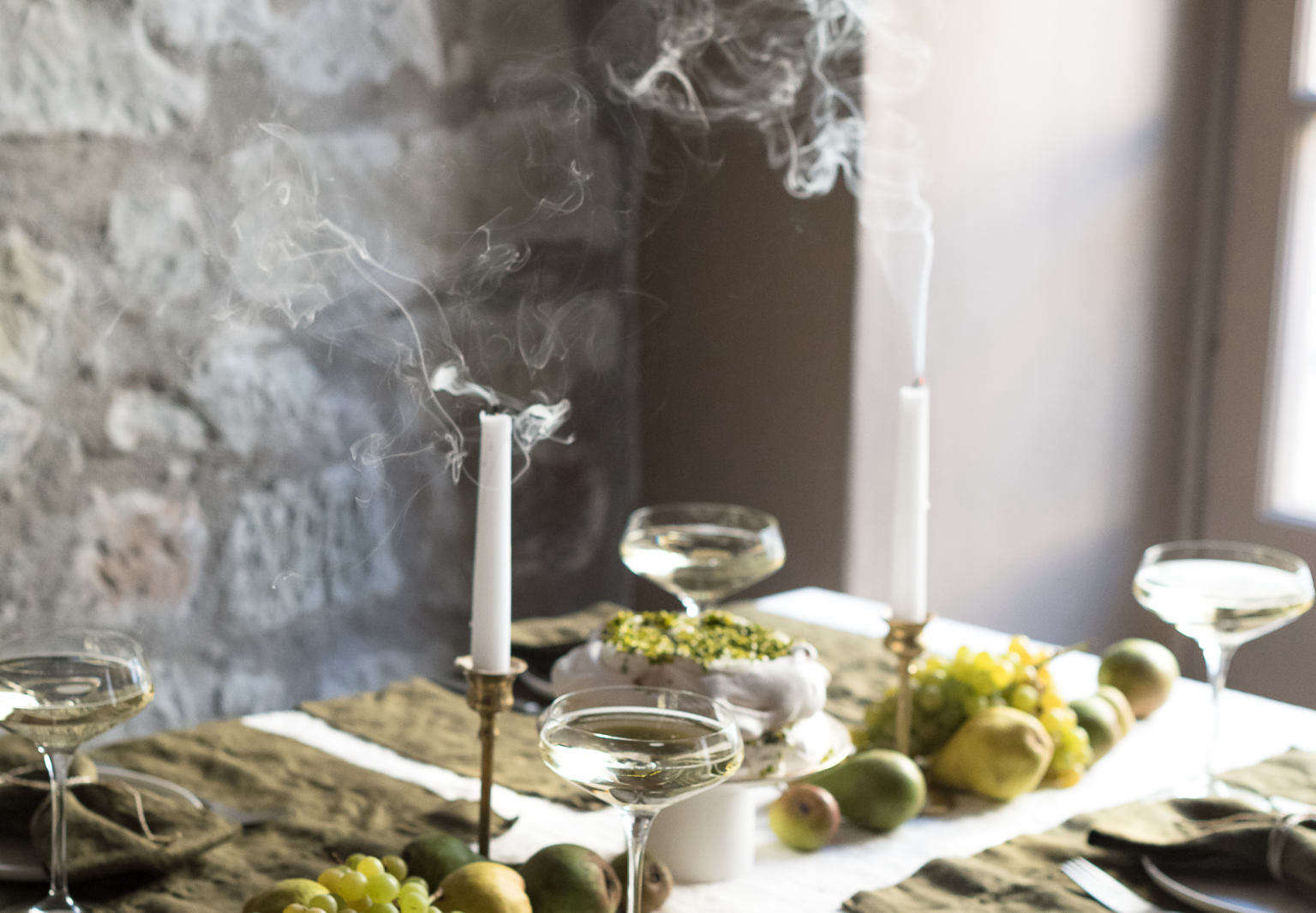 The Last-Minute Host: 10 Tips for Setting the Holiday Table, from Tricia Rose
