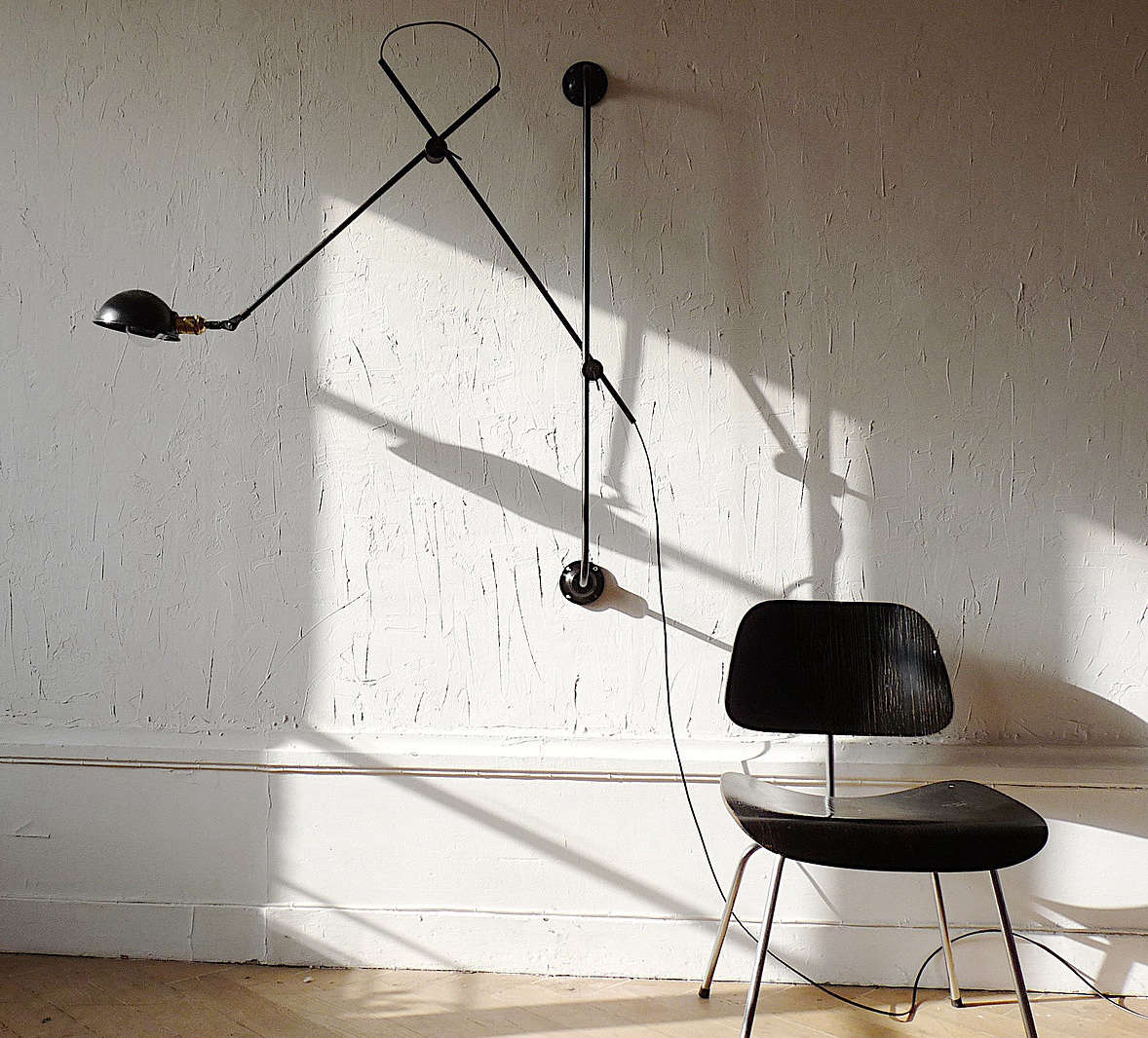High/Low: The Industrial-Style Articulated Wall Light, French vs. Urban Outfitters Edition