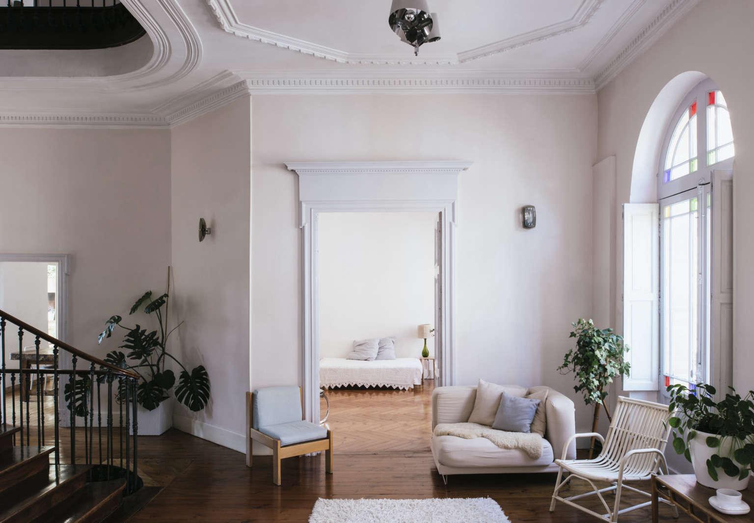 La Vie en Rose: Inside a Costumier's Dreamlike, DIY Maison in France