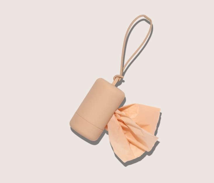 wild-one-poop-bag-carrier-peach