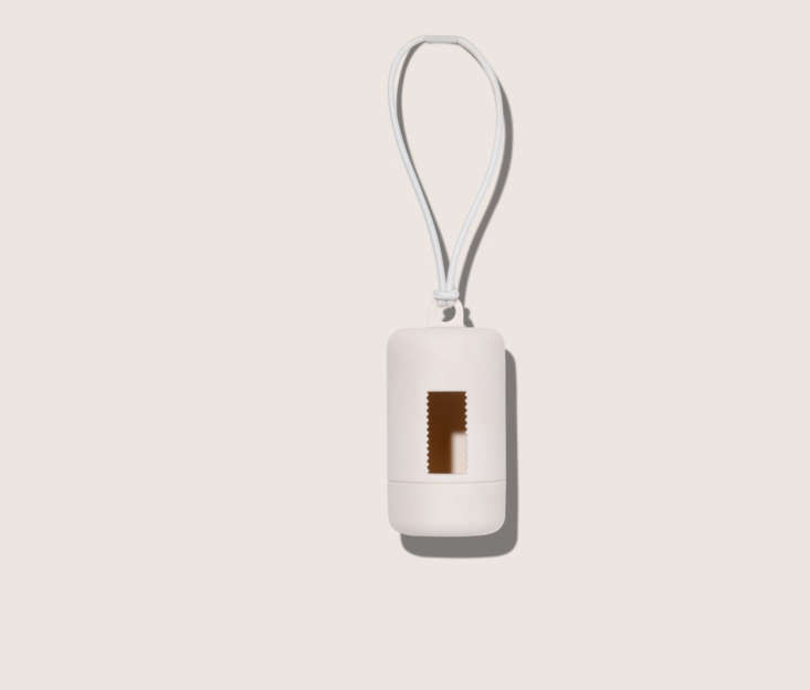 wild-one-poop-bag-carrier-white