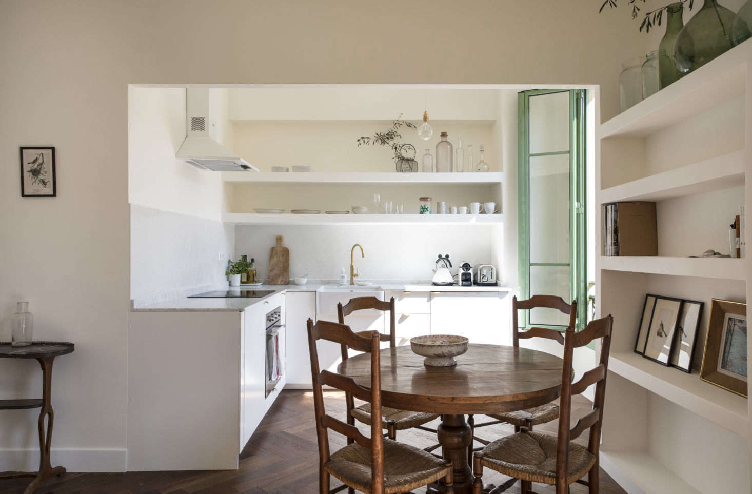 """""""My brother, who has renovated a few properties, advised that we remove the breakfast bar and open the room up, as he noticed there was so much lovely light coming through the window."""""""