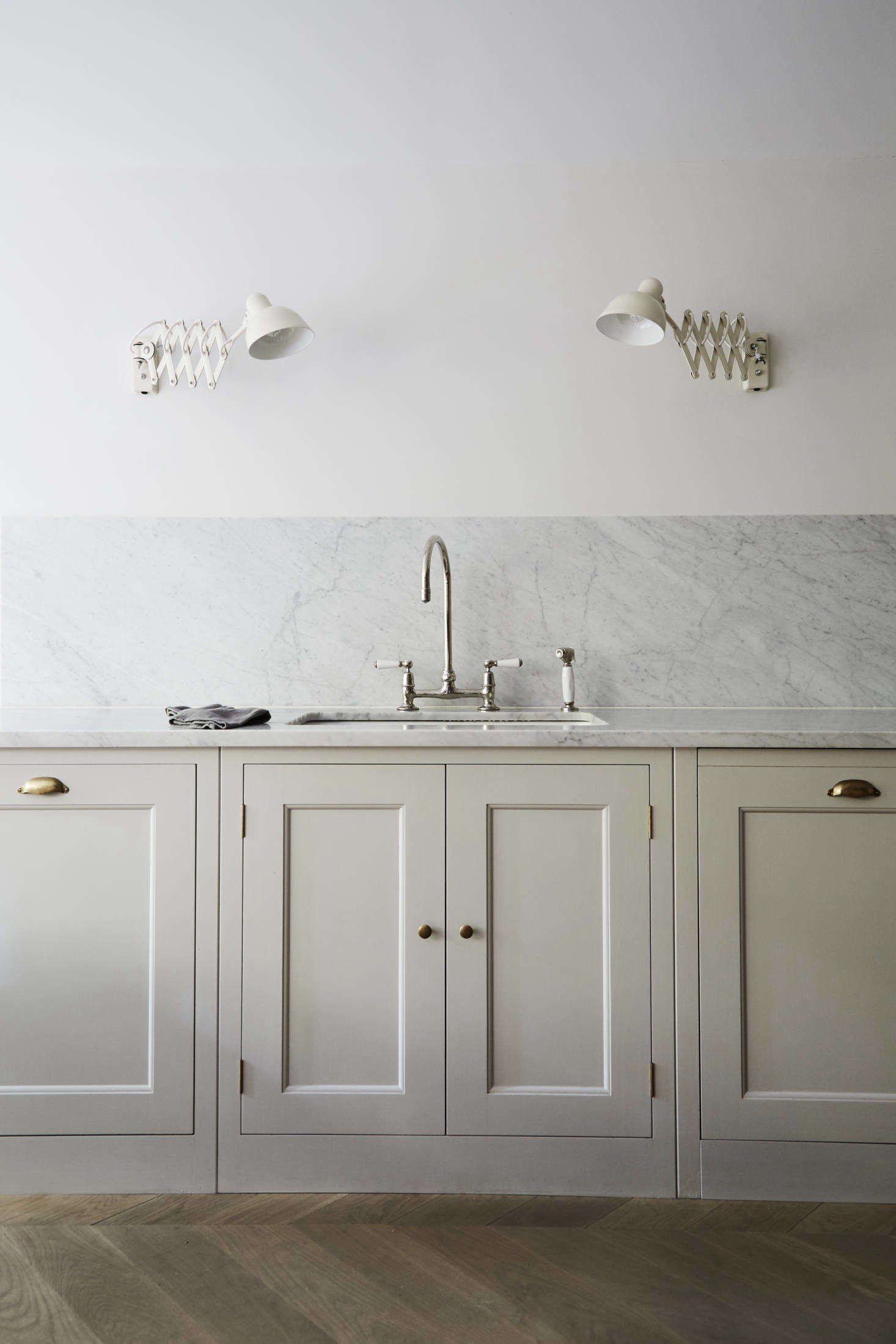 16 Favorite Solid Marble Kitchen Backsplashes, for Maximum ... on kitchen sinks soapstone, kitchen countertops soapstone, kitchen faucet soapstone,