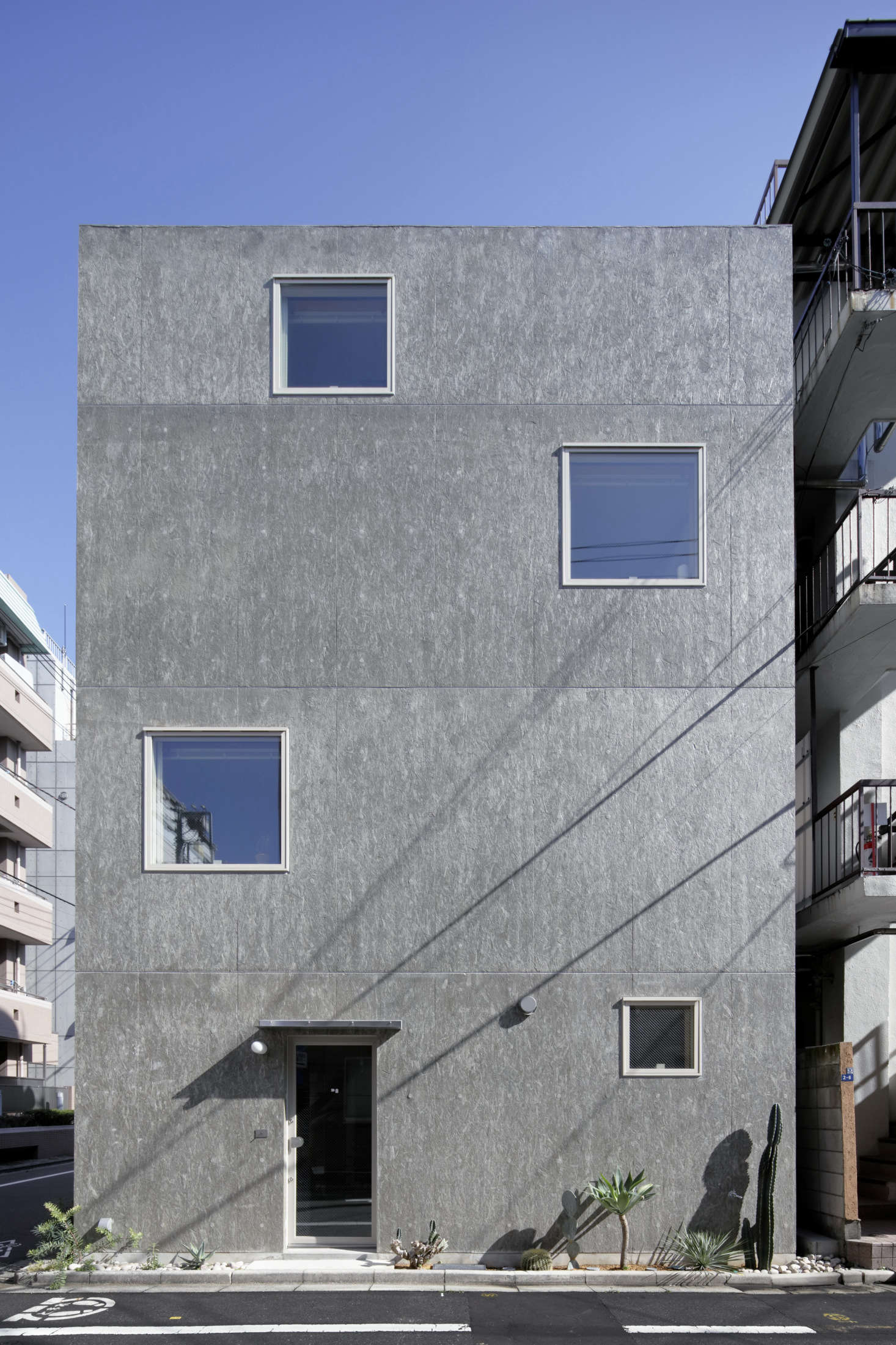 The west-facing structure occupies a 675-square-foot corner in a residential area blocks from Asakusa&#8