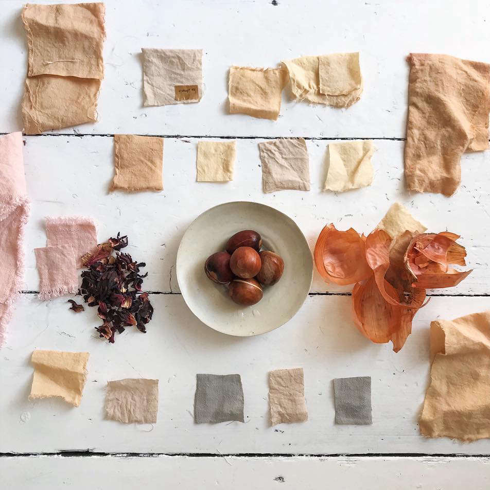 Davey experiments with natural ingredients, such as tea, avocado pits, and onion skins, to create dyes for limited-edition pieces. For large-scale production, she uses GOTS (Global Organic Textile Standard) 5.0-certified powdered dyes that ensure consistency.