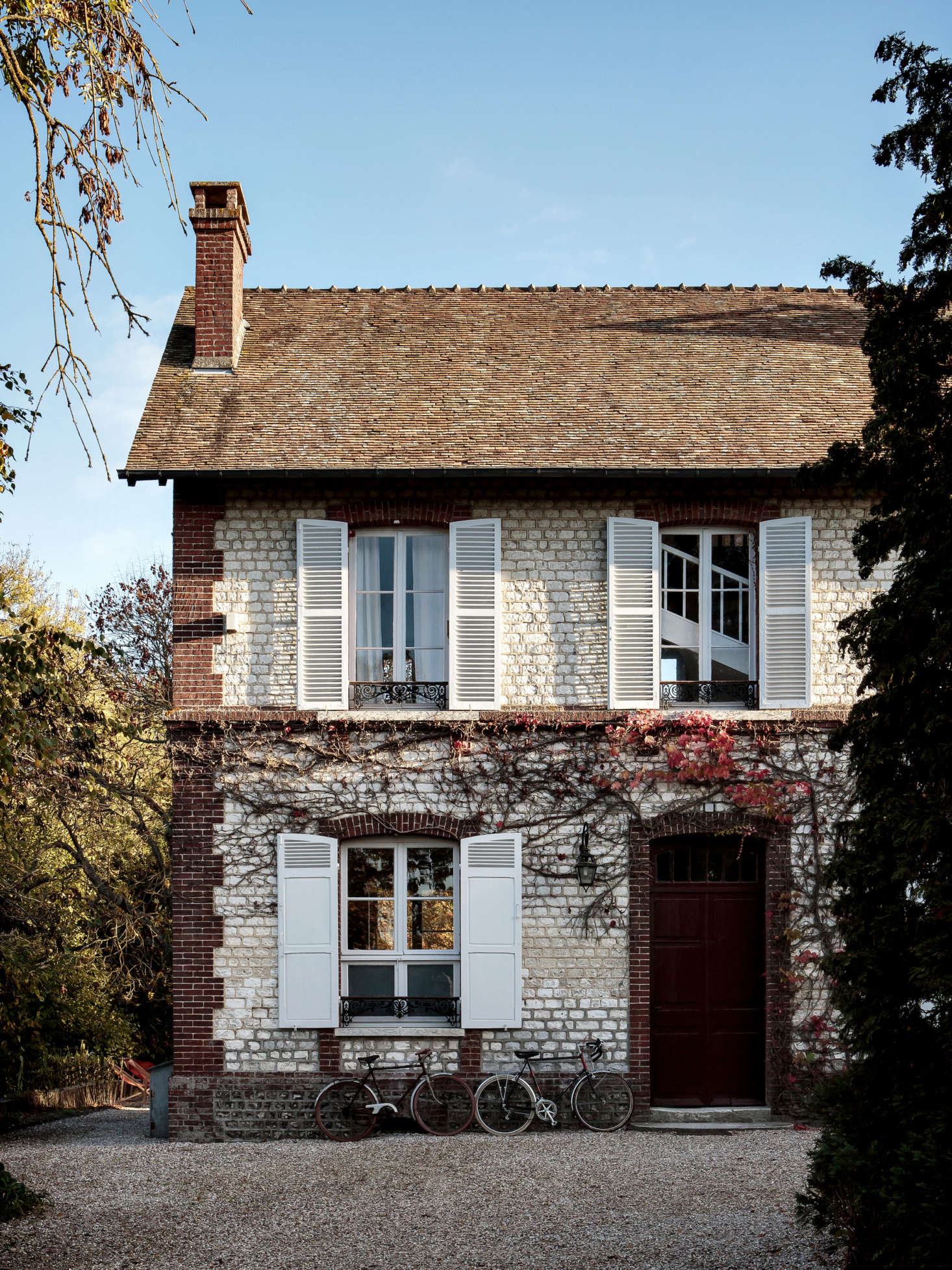 Riverside House: A Normandy Guesthouse from an Upstart American Restaurateur