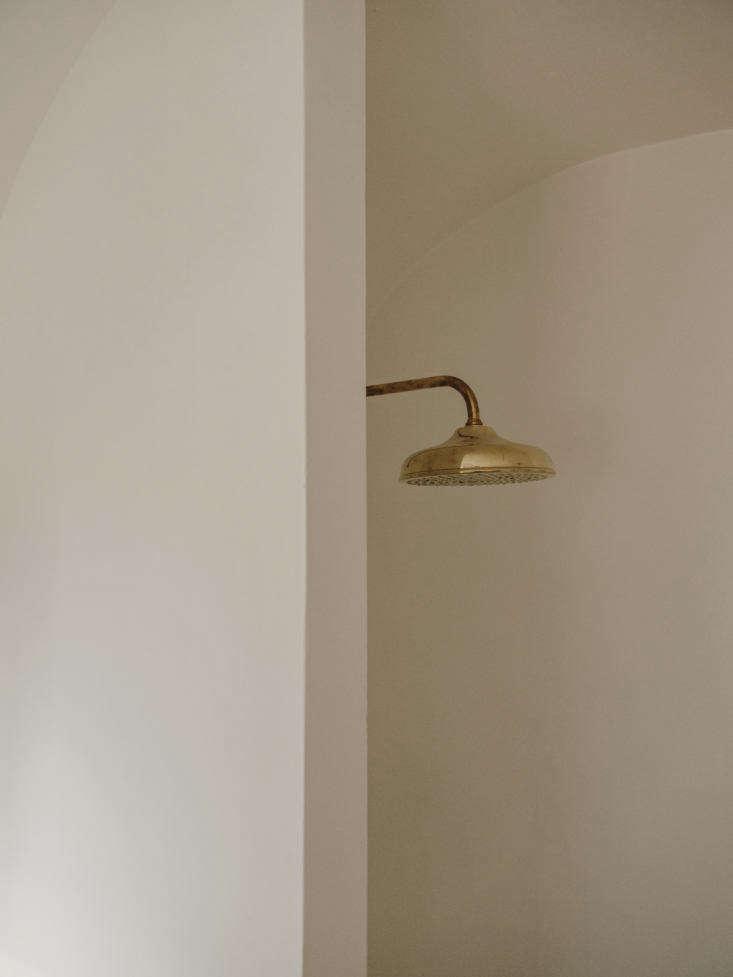 Bathroom Fixture at Villa Castelluccio by Studio Andrew Trotter, Photo by Salva Lopez