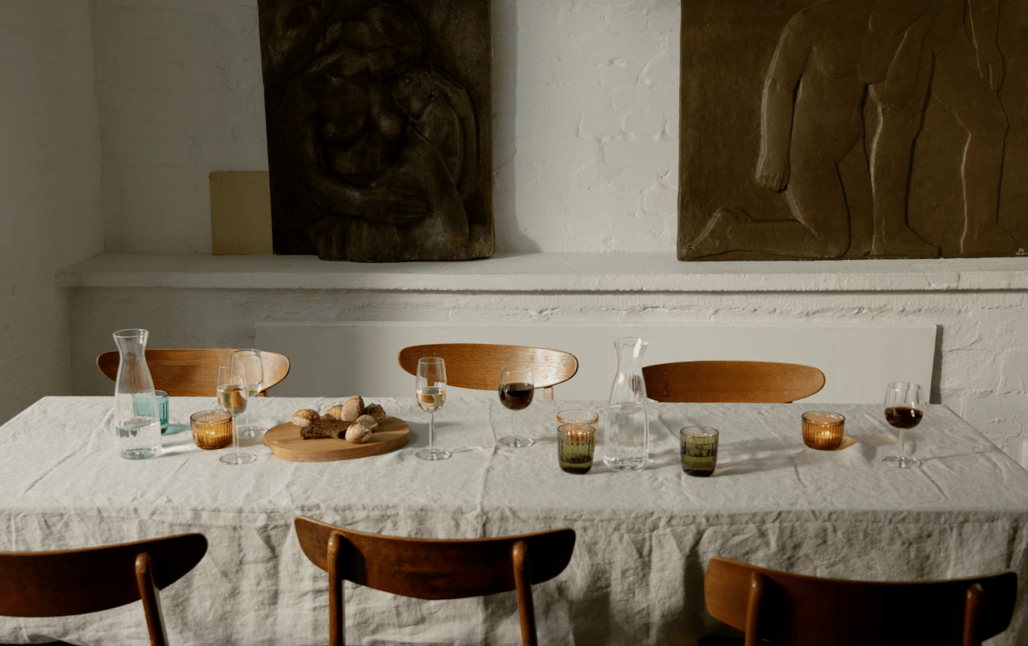 A table set with pieces from the Raami Collection by Jasper Morrison for Iittalla.