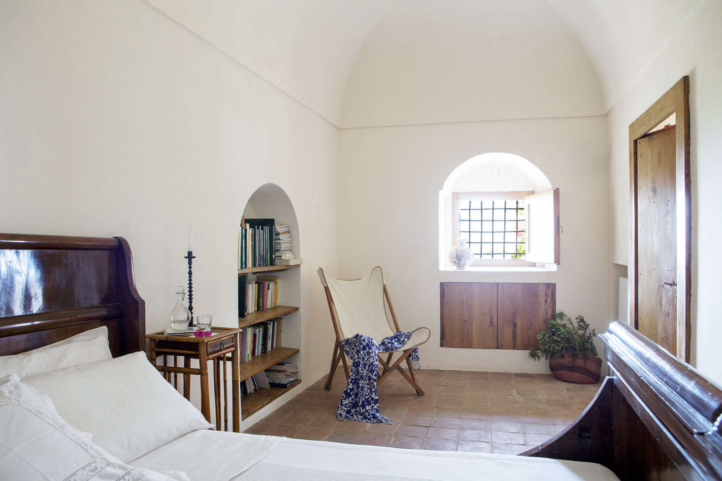 Each dammuso has alcoved windows and shelving.