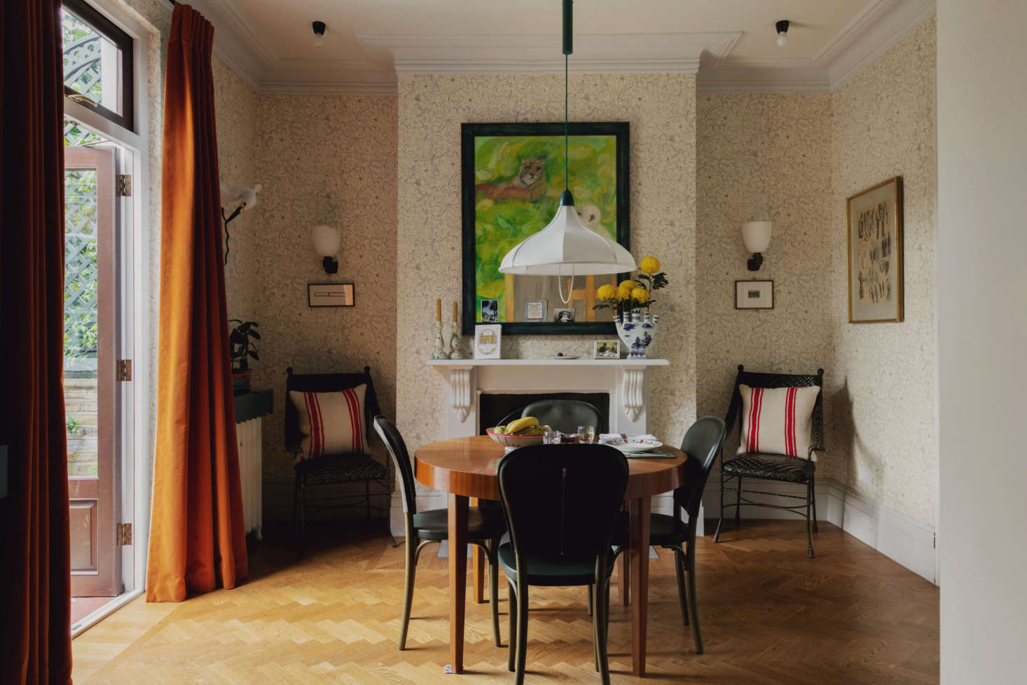 A Rising Star S Spirited London Home Every Room Should Sing Remodelista