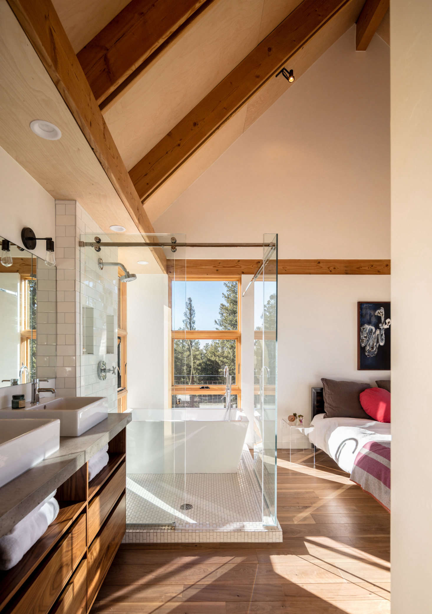 Blum requested an outdoor shower, something that doesn't make sense most months of the year here, so instead del Gaudio designed a master bedroom with an en suite bath that feels as if it's outdoors.