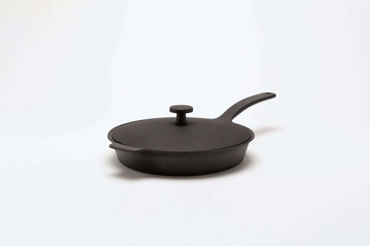 Jasper Morrison's Palma collection for Oigen, a line of cast iron kitchenware, includes a Frying Pan for £130 at Jasper Morrison Shop. For more on the collection, see our early post Iron Man, Jasper Morrison.