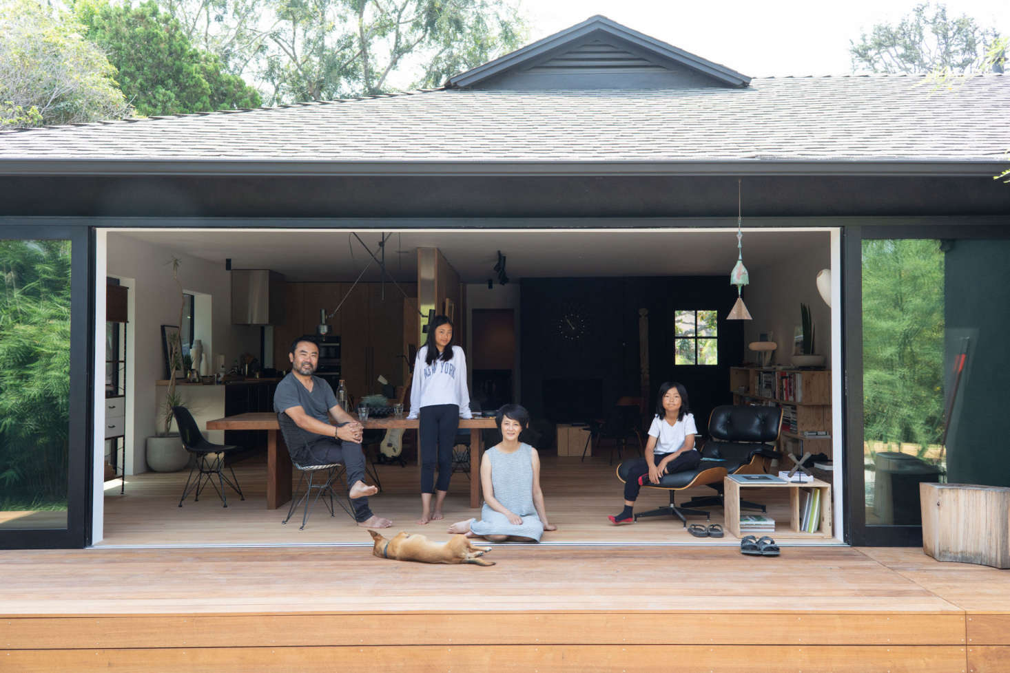 Yanai opened up the entire back of the house to the yard: &#8