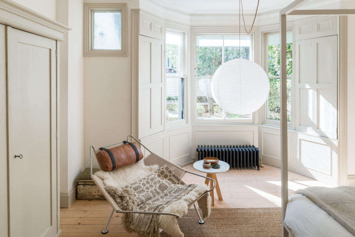 English Translation: A Compact Victorian Gets an Eclectic ... on townhouse interior design, kelly hoppen interior design, amazing home house design, english cottage design,