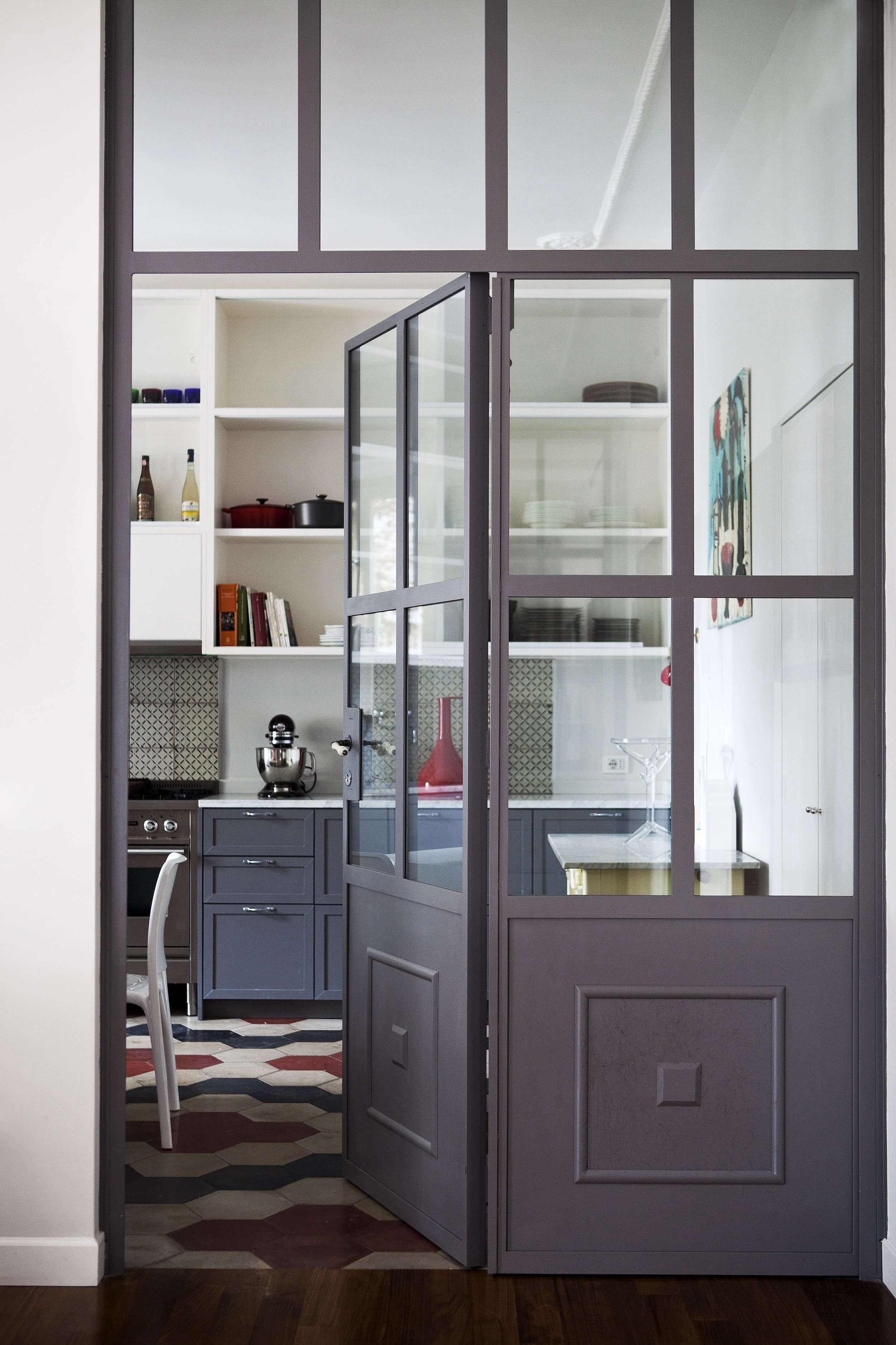 Roma: An Artful Twentieth-Century House in Italy in an Of-the-Moment Palette - Remodelista
