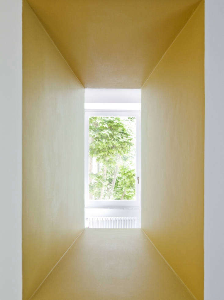 Yellow Window in Tuscan Red House by Studio Strato, Photo by Serena Eller