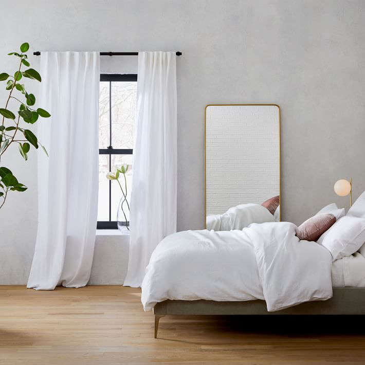 10 Easy Pieces: Simple White Linen Curtains - Remodelista