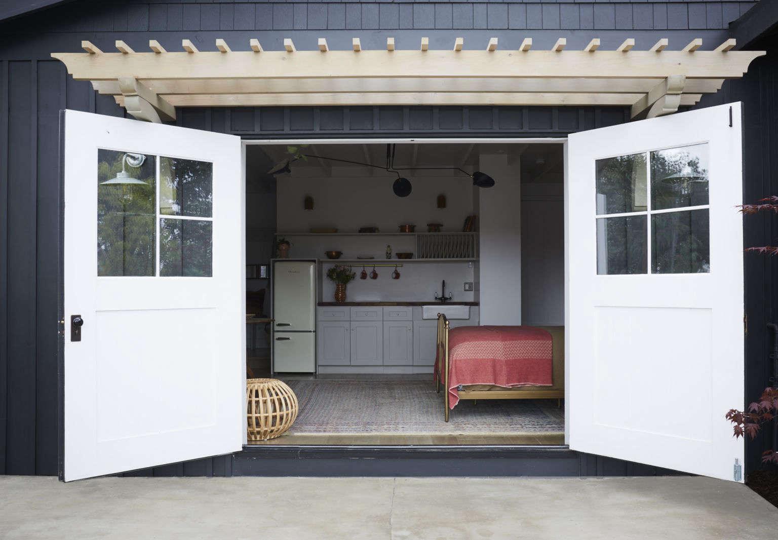 From Garage To Guest House A Stylish Adu In La By Allprace Properties