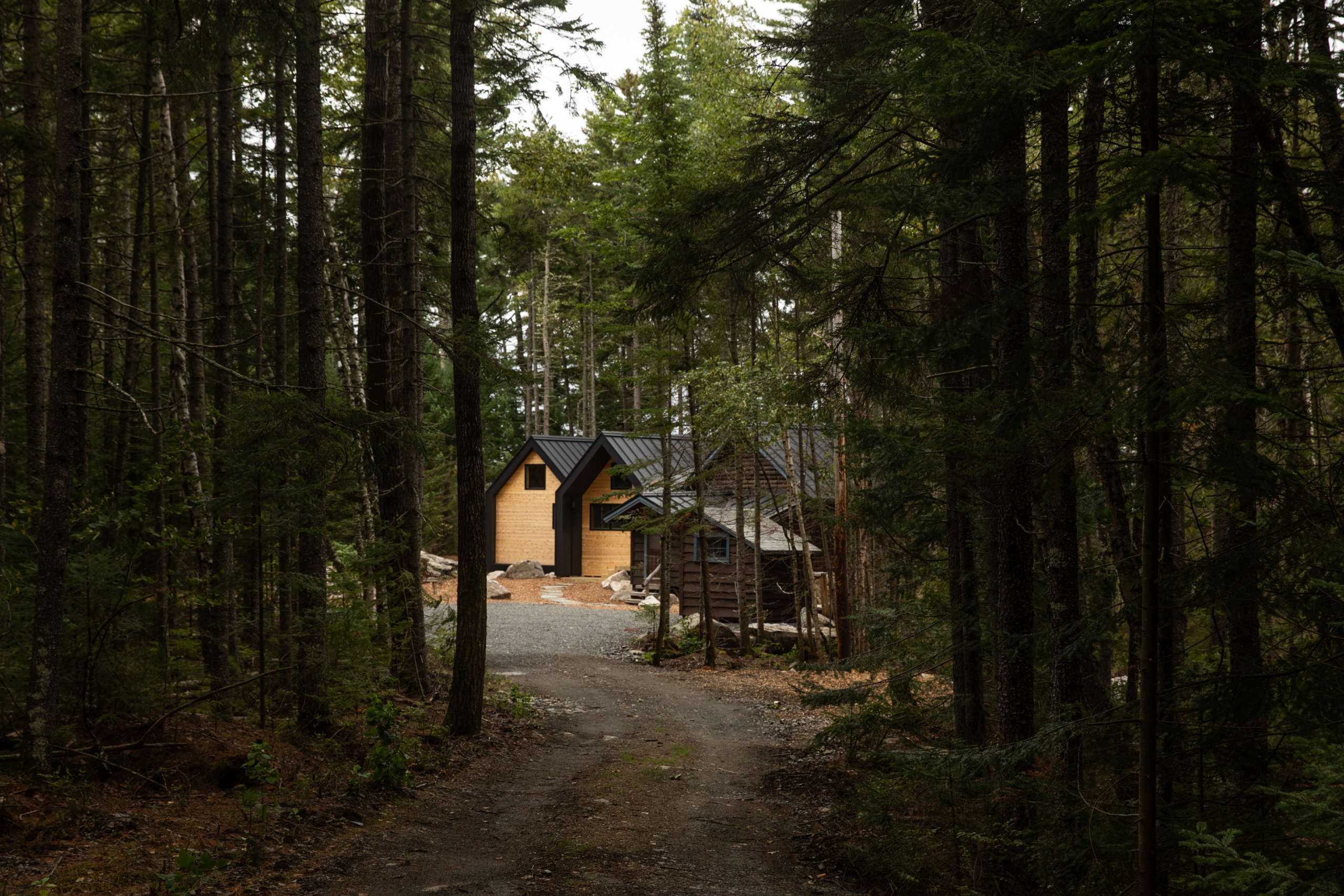 Rock Camp: Old-Meets-New Lake Cabins by an Upstart Maine Architect - Remodelista