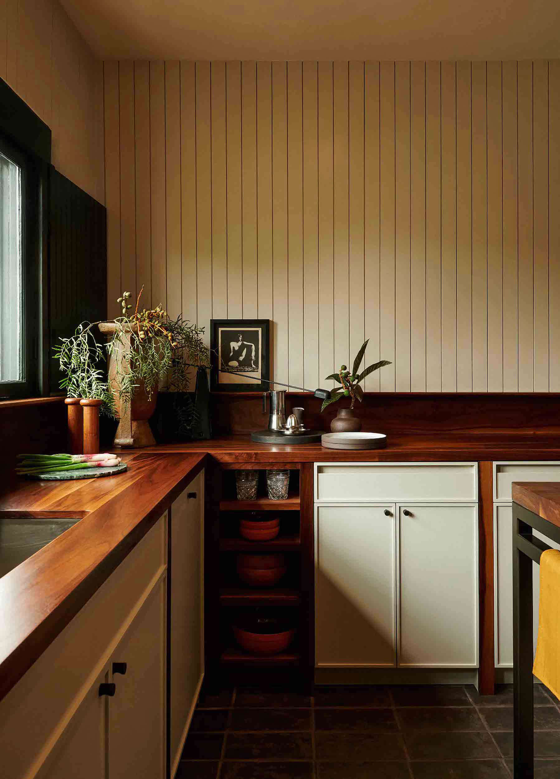 'Old California' in a New Update of a 1907 Arts & Crafts-Style House in Los Angeles - Remodelista