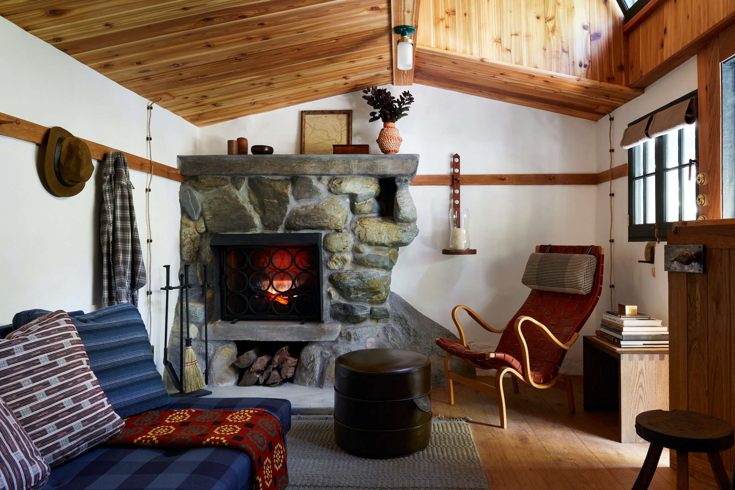 A Hollywood Director's Refined Off-the-Grid Cabin by Commune Design - Remodelista