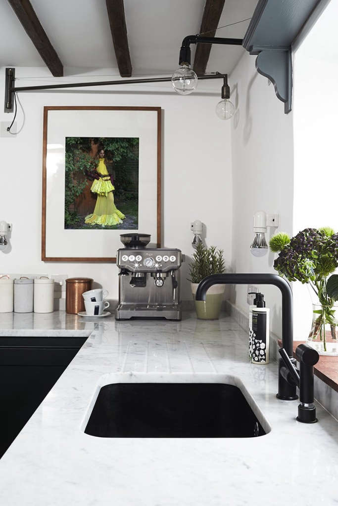 Thatched Cottage Kitchen 05