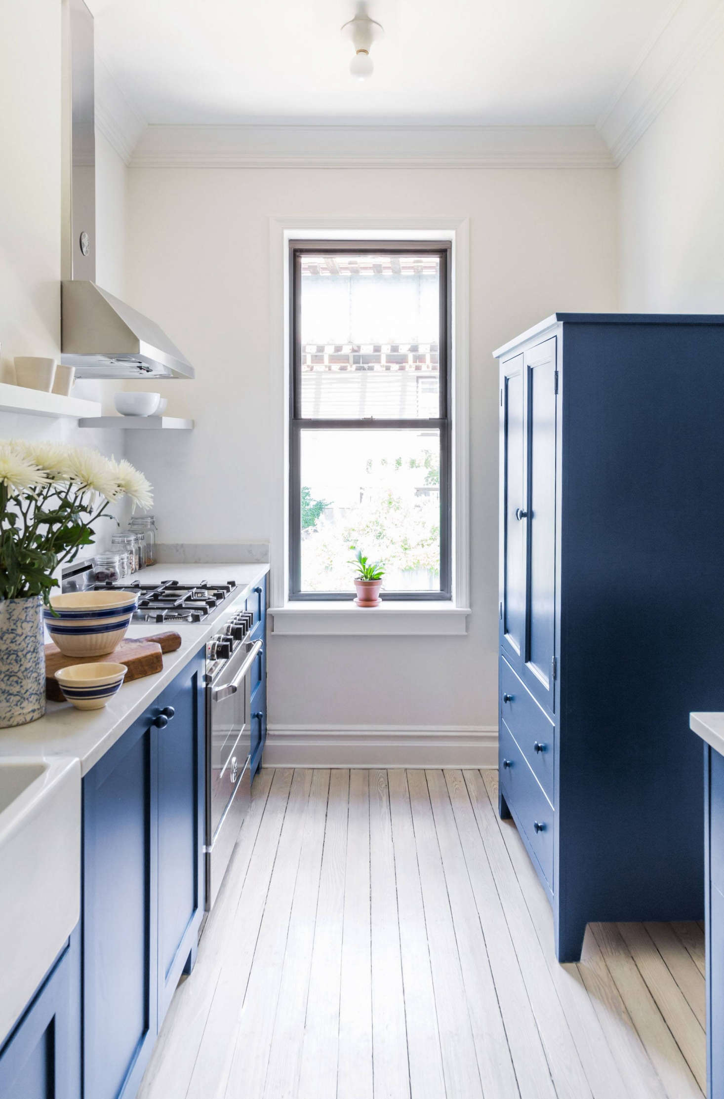 For A Buzzfeed Founder S Renovated New York Rowhouse The Team Sourced Luxe Liances