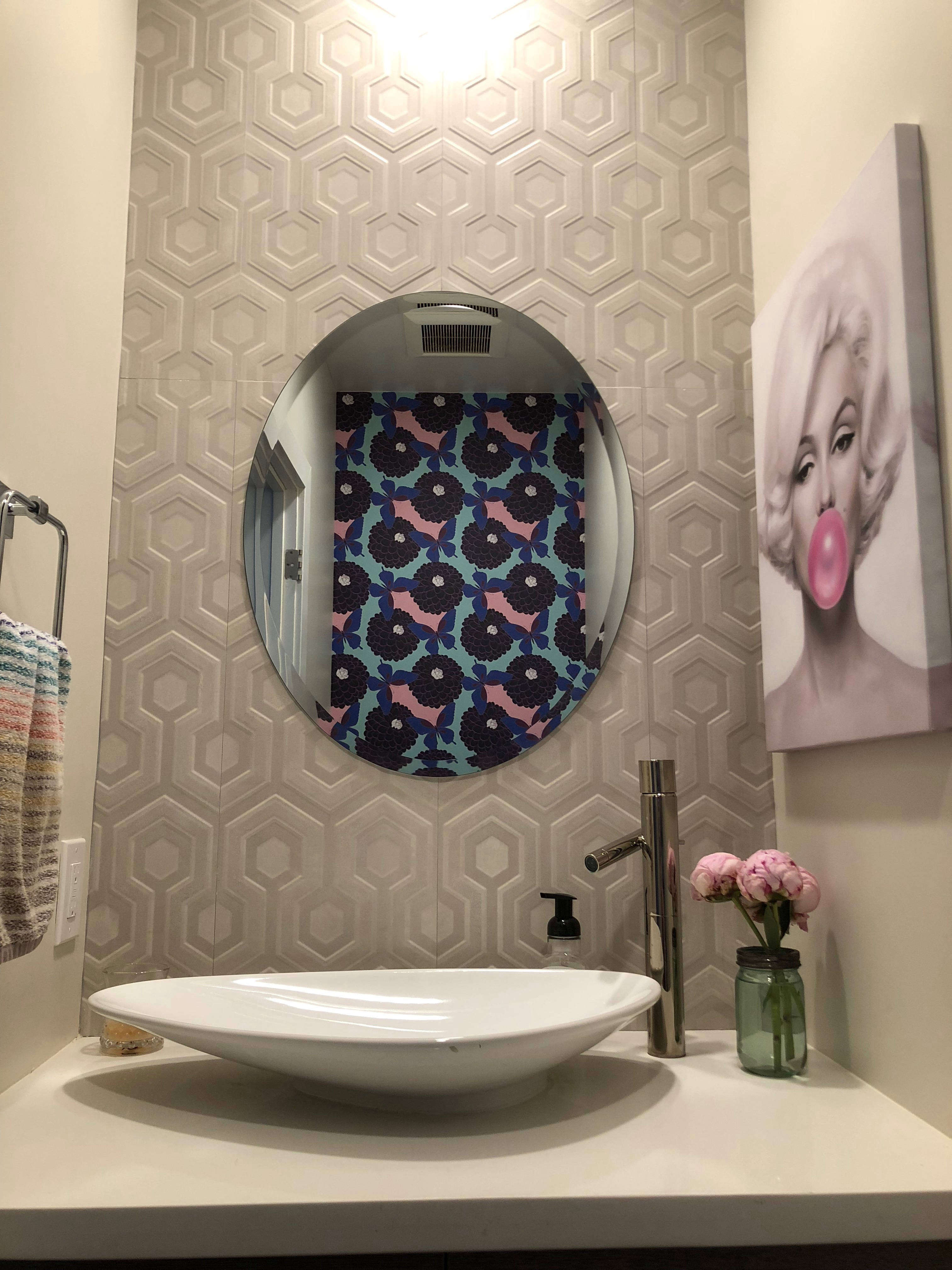 Photos Of Small Living Rooms Decorated: Making A Small Powder Room Pretty